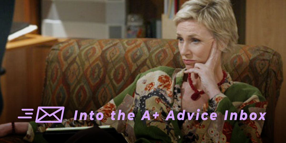 Dr. Linda Freeman from Two and a Half Men frowns on a couch while giving therapy