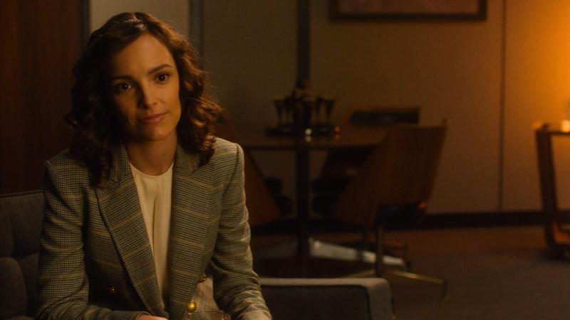 For All Mankind lesbians Ellen wears a cute 80s blazer