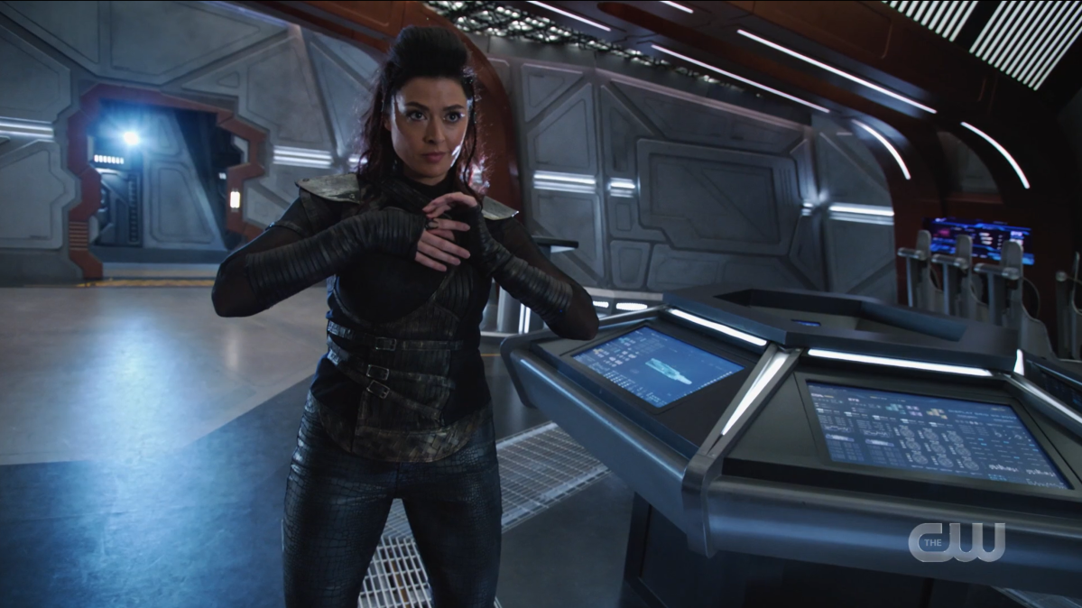 Legends of Tomorrow Episode 604: The alien slips on a ring and takes the form of Aliyah O'Brien