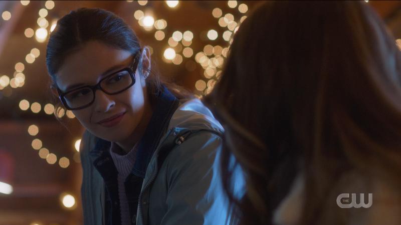 Supergirl episode 606: Nia smiles at Young Kara.