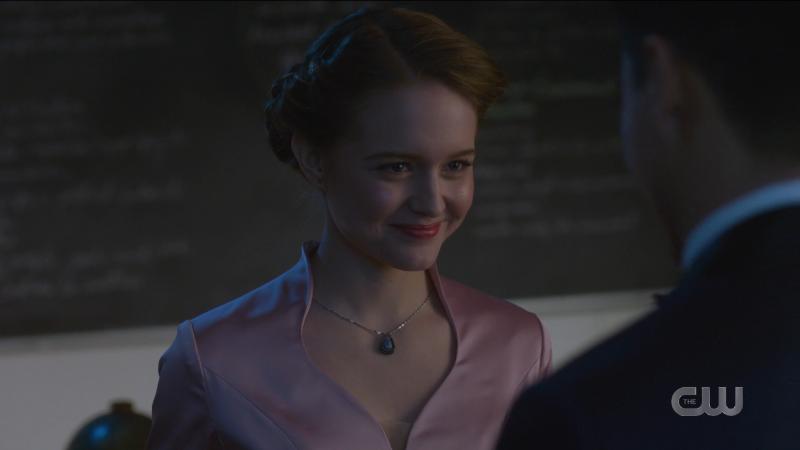 Supergirl episode 606: Kara smiles sweetly at Kenny.