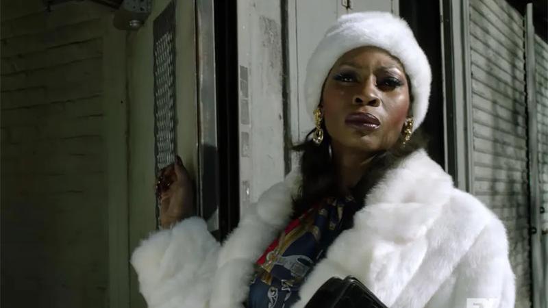 Pose recap: Elektra in a white fur coat and hat