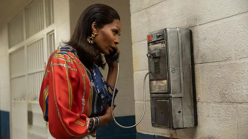Pose recap: Elektra calling from a payhone