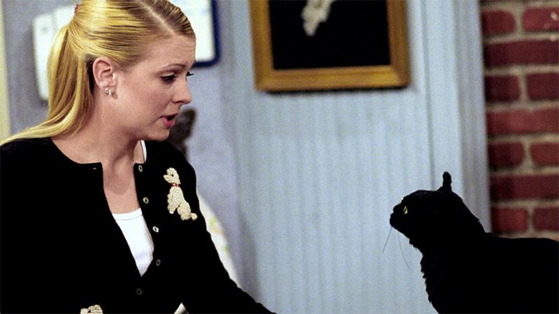 Salem and Sabrina chat on Sabrina the Teenage Witch