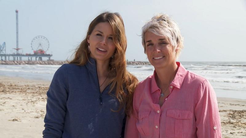 Stephanie and Virginia find a vacation home on Galveston Island.