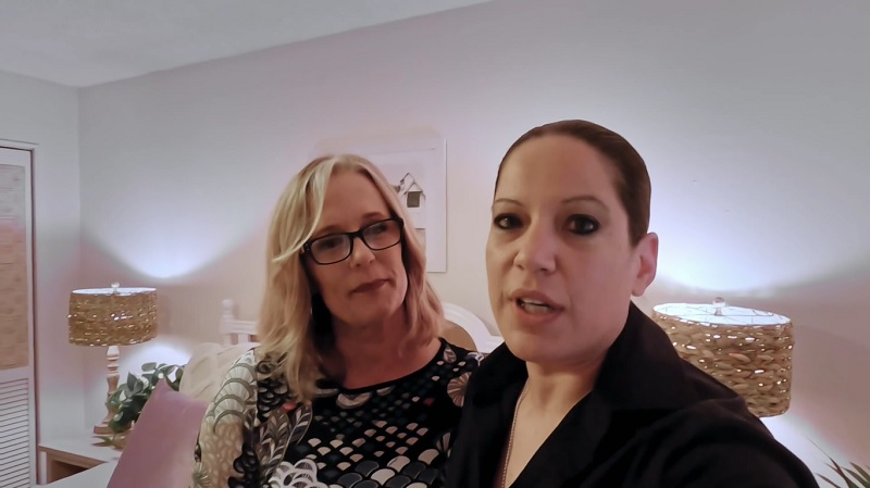 It's DIY Design with Gina and Denise.