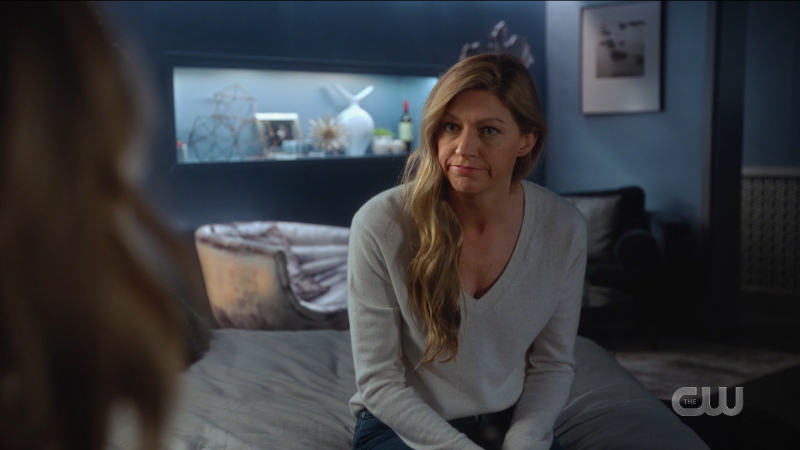 Legends of Tomorrow Episode 608: Ava looks purposefully at Sara.