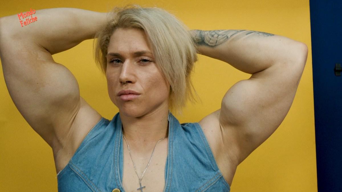 Julia Foery: Female Bodybuilder Dreamboat!