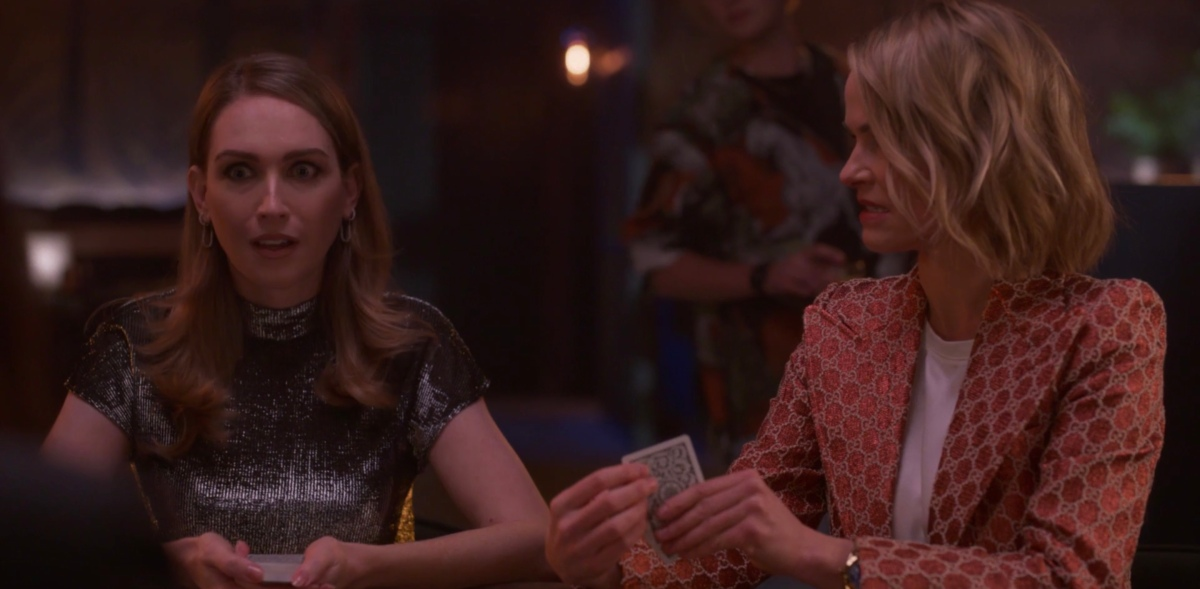 Tess and Alice playing poker