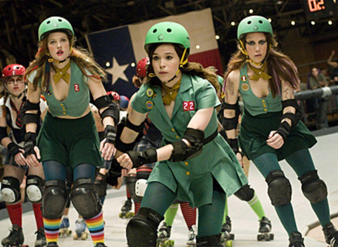 "Still of actors roller-skating in ""Whip It"""