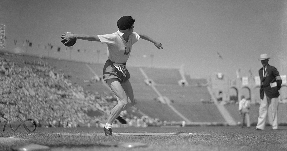 Stella Walsh Performing with Discus at The Los Angeles Olympics