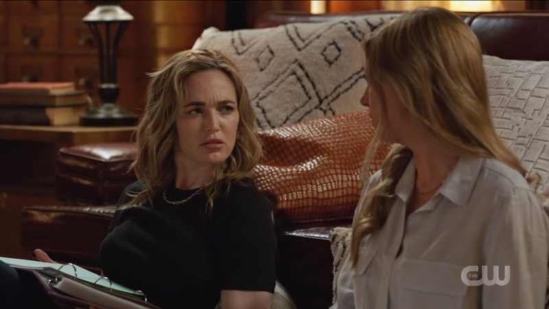 Legends of Tomorrow 612: Avalance, Sara looks flustered as she looks to Ava.