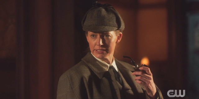 Legends of Tomorrow 612: Ava is already leaning into her Sherlock look