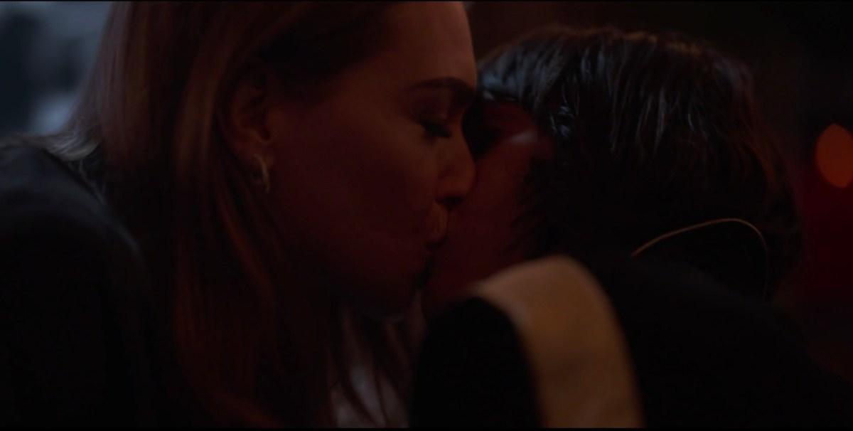 Shane and Tess kissing