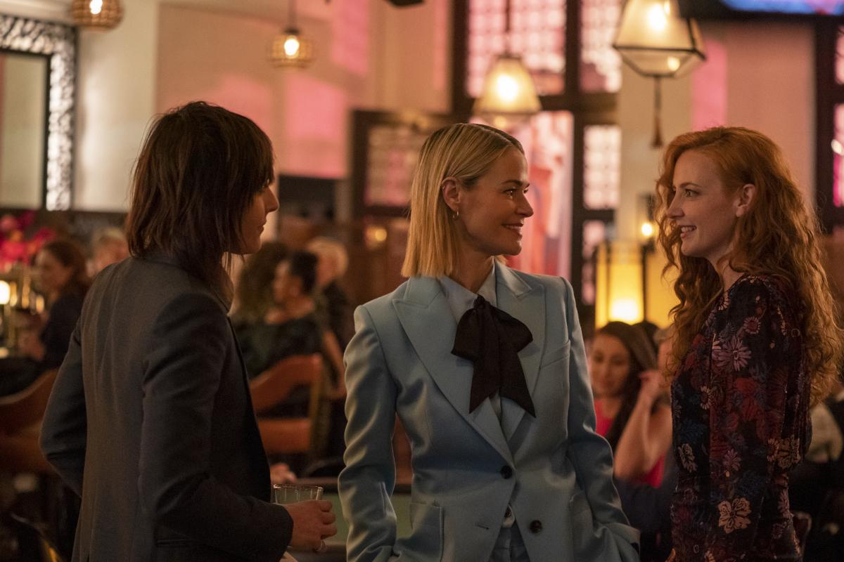 "(L-R): Katherine Moennig as Shane, Leisha Hailey as Alice and Stephanie Allynne as Natalie in THE L WORD: GENERATION Q ""Light"". Photo Credit: Liz Morris/SHOWTIME."