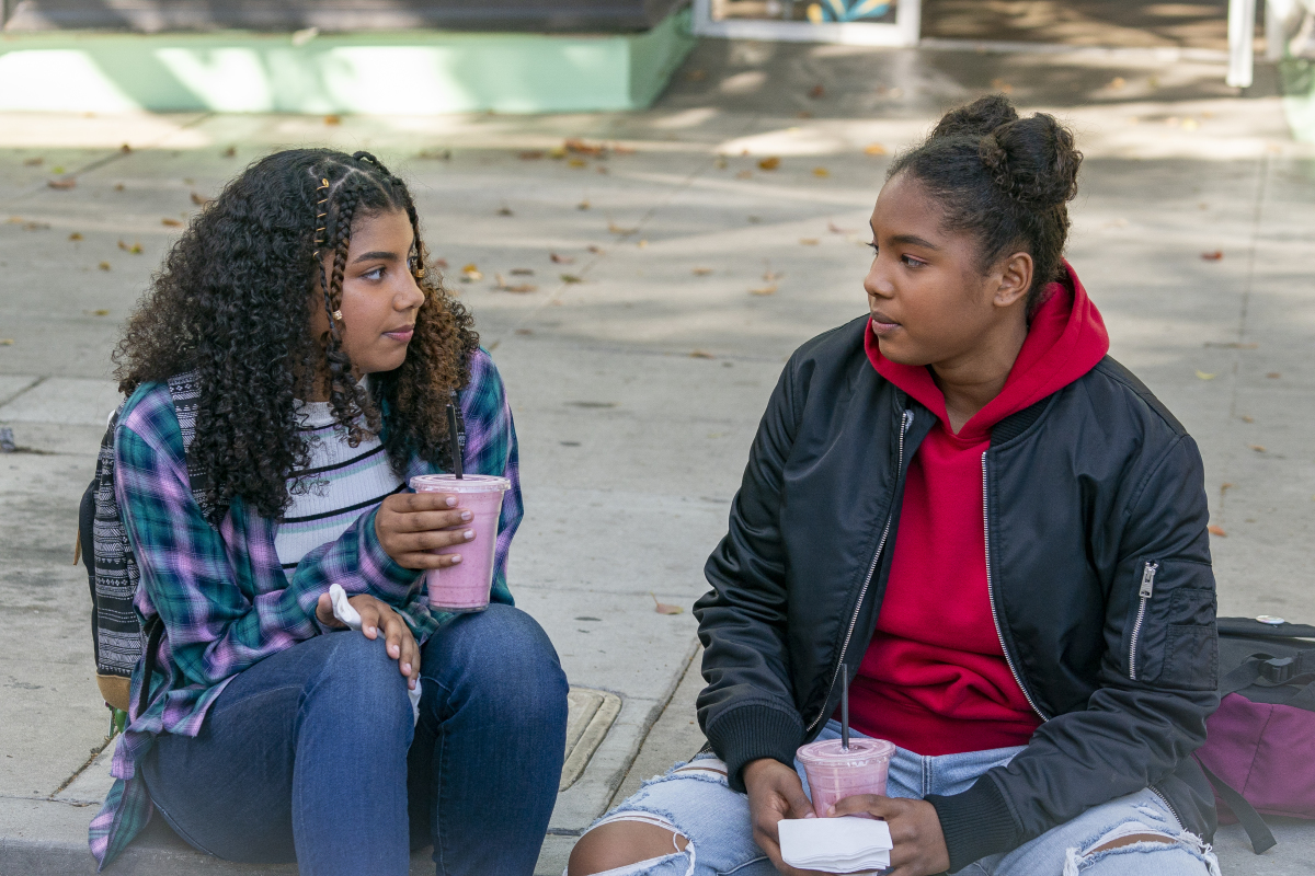 """(L-R): Brook'Lynn Sanders as Kayla and Jordan Hull as Angie in THE L WORD: GENERATION Q """"Light"""". Photo Credit: Kelsey McNeal/SHOWTIME."""