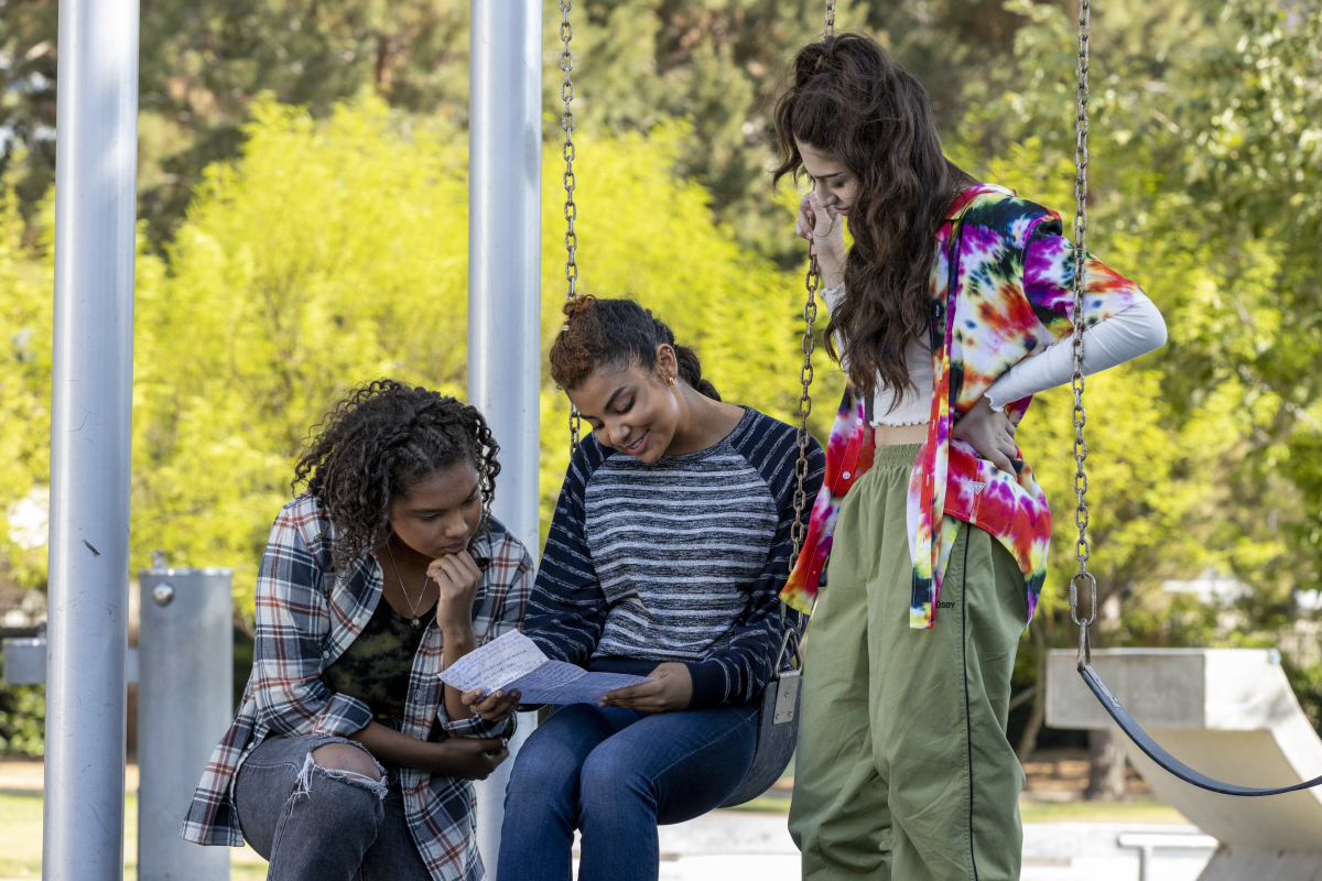 "(L-R): Jordan Hull as Angie, Brook'Lynn Sanders as Kayla and Sophie Giannamore as Jordie in THE L WORD: GENERATION Q ""Last Call"". Photo Credit: Paul Sarkis/SHOWTIME."