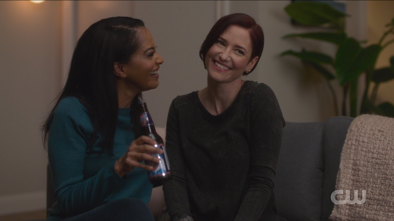 Supergirl recap 609: Dansen, Alex and Kelly laugh and scrunch their cute little noses.
