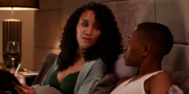 Twenties 202 recap: Hattie and Ida share a bed, Ida is in a grey silk robe and Hattie is in a white tank top