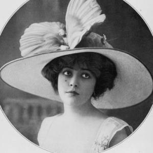 Profile gravatar of Elly