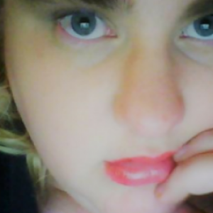 Profile picture of Elle